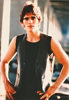 Matt Dillon He'll always be one of my favorites The Outsiders Greasers, The Outsiders Cast, Matt Dillon The Outsiders, Young Matt Dillon, Die Outsider, Dallas Winston, Ralph Macchio, Jeremy Sumpter, Rob Lowe