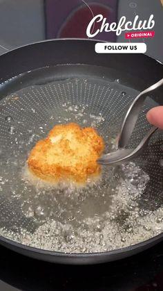 Buzzfeed Food Videos, Proper Tasty, Tasty Videos, Food Garnishes, Baked Chips, Cheesy Recipes, Weird Food, Good Healthy Recipes, Creative Food