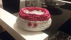 Cesta trapillo rosa/blanca crochet