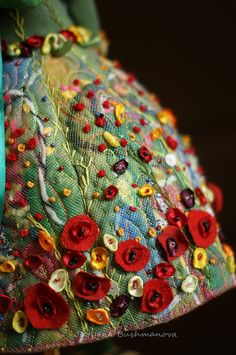 Glorious All Time Favorite Sewing Projects Ideas. All Time Favorite Top Sewing Projects Ideas. Felt Embroidery, Embroidery Stitches, Embroidery Patterns, Crazy Quilting, Textiles, Fabric Art, Fabric Crafts, Scrap Fabric, Fabric Manipulation