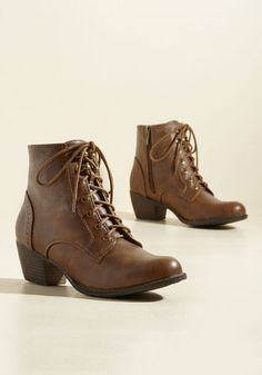 By lacing into these cognac brown booties, you put the finishing touches on your Victorian-inspired get-up. Where soft, antiqued faux leather meets stacked. Combat Boots, Ankle Boots, Women's Boots, Brown Booties, Lace Up Booties, Estilo Retro, Cute Boots, Vintage Boots, Shoes Sandals