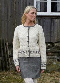 901-2089a  Svarta Fåret Damkofta Kobe, Knitting Patterns, Men Sweater, Classy, Image, Style, Cardigans, Fashion, Damasks