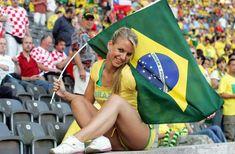 Une charmante supportrice du Brésil 12 juin : Brésil - Croatie