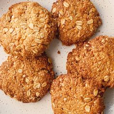 These classic cookies are vegan, dairy free, gluten free and refined sugar free!Blender coconut oat cookies couldn't be easier to make, and they are about as minimal mess and fuss as it is possible to be: to make, simply throw all ingr. Healthy Oat Cookies, Healthy Granola Bars, Homemade Granola Bars, Coconut Cookies, Oat Slice Healthy, Granola Cookies, Spice Cookies, Healthy Desserts, Cake Cookies