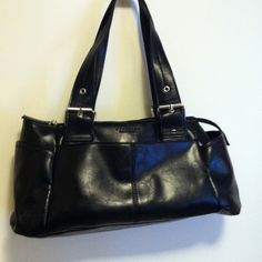 Kenneth Cole Purse !black! Reduced  Black purse, many pockets on all sides and inside! Great purse for keeping organized  by Kenneth Cole Reaction collection.   Reduced again!!! Noticed small Frey in strap, last photo. Kenneth Cole Bags