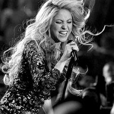 Shakira Blanco y Negro