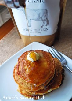 A recipe for pumpkin flax protein pancakes that is sure to get your day off to an awesome start with quality protein, healthy carbs and fats! Brunch Recipes, Breakfast Recipes, Snack Recipes, Cooking Recipes, Eat Breakfast, Clean Recipes, Paleo Recipes, Savoury Dishes, Food Dishes
