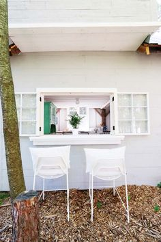 http://www.poppytalk.com/2016/11/hotel-style-bunkie-cabin.html