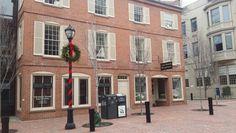 Encantadora edificación en una de las principales calles del también encantado Salem, Massachusetts. #charming #christmas #midestino