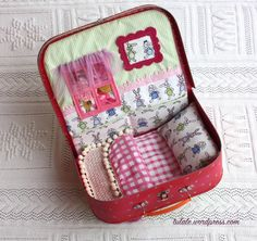 House for dolls in a suitcase by #Tulale
