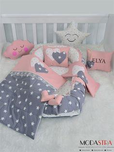 Modastra Pudra ve Gri Üzeri Beyaz Yıldız Desenli Babynest Set - Baby Bedroom, Baby Room Decor, Quilt Baby, Kit Bebe, Baby Kit, Baby Pillows, Baby Crafts, Baby Sewing, Baby Accessories