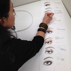 Our idea of enchanting eyes. Beauty Makeup, Beauty Tips, Beauty Hacks, Hair Makeup, Laura Mercier, Arsenal, Make Up, Goals, Eyes
