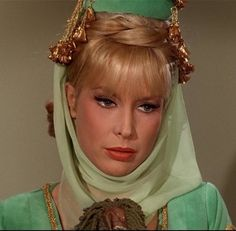 I Dream of Jeannie Tribute -- Barbara Eden Barbara Eden, I Dream Of Jeannie, Elizabeth Montgomery, 1960s Tv Shows, Larry Hagman, Vintage Tv, Vintage Hollywood, Vintage Beauty, Classic Hollywood