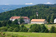 Köflach-Piber (Voitsberg) Steiermark AUT Famous Musicals, Salzburg, Austria, Places To Visit, Castle, Cabin, House Styles, Amazing, Hiking