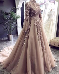 Source by indian – Hochzeitskleid Prom Dresses Long With Sleeves, Formal Dresses, Wedding Dresses, Dresses Dresses, Dance Dresses, Bridal Gowns, Dress Outfits, Muslimah Wedding Dress, Muslim Prom Dress