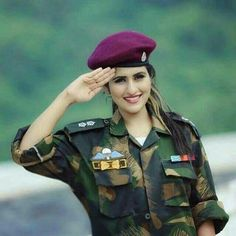 Salam Horriya Rani Indian Army Special Forces, Beauty Army, Indian Army Wallpapers, Indian Army Quotes, Pak Army Soldiers, Female Police Officers, Marines Girlfriend, Military Girl, Female Soldier