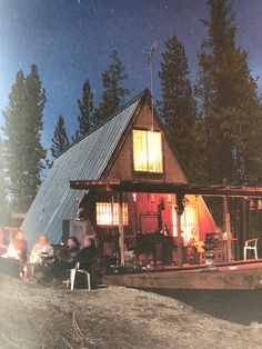 5 Celebrities Awesome Cabin In The Woods - Modern Survival Living Forest Cabin, Forest House, A Frame Cabin, A Frame House, Cozy Cabin, Cozy House, Cabana, Self Build Houses, Maine Cottage