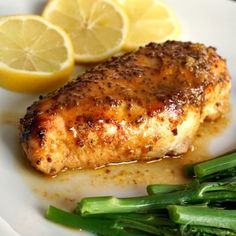 Baked honey mustard chicken breast with a touch of lemon, an absolutely deliciou. - Baked honey mustard chicken breast with a touch of lemon, an absolutely delicious, low-carb and hea - Healthy Meals For Two, Easy Meals, Healthy Eating, Healthy Recipes, Healthy Food, Low Calorie Chicken Recipes, Quick Meals For Two, Easy Recipes For Two, Chicken Recipes For One