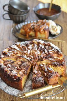 French Toast, Cakes, Breakfast, Desserts, Food, Morning Coffee, Tailgate Desserts, Deserts, Cake Makers