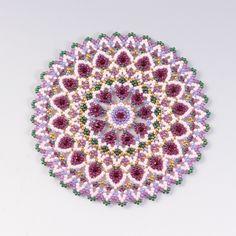 Free pattern for earrings Bonny - Her Crochet Seed Bead Flowers, Beaded Flowers, Cross Stitch Rose, Cross Stitch Flowers, Beading Techniques, Beading Tutorials, Crochet Bedspread Pattern, Rose Crafts, Beaded Crafts