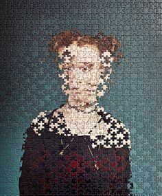 Dans son dernier projet photographique, l'artiste allemande Alma Haser combine les portraits de plusieurs paires de jumeaux en mélangeant littéralement leur image.  Alma Haser commence par photographier séparément chaque jumeau, puis elle imprime les portraits sur des puzzles de 500 ou 1000 pièces, pour ensuite les mélanger. Le résultat surréaliste et poétique en dit long sur la relation fusionnelle des jumeaux.