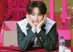 Stray Kids Minho, Lee Know Stray Kids, Reason To Breathe, Left And Right Handed, Ji Sung, Lee Min Ho, Korean Actors, Boy Groups, Rapper