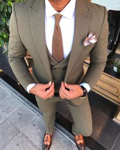 Learn to live in Style. Prom Suit Outfits, Blazer Outfits Men, Casual Outfits, Best Suits For Men, Cool Suits, Men's Business Casual Wardrobe, Business Suits Men, Mens Fashion Suits, Mens Suits