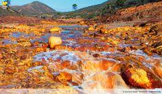 Eisen und Kuper geben ihm die Farbe, Rio Tinto, Huelva, Spanien