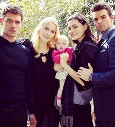 Cute family 😍❤️