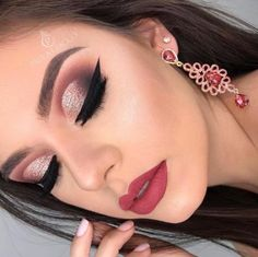 Look at the webpage to read more about eye makeup looks and trends Gold Eye Makeup, Glam Makeup Look, Body Makeup, Contour Makeup, Glitter Makeup, Cute Makeup, Prom Makeup, Gorgeous Makeup, Eyeshadow Makeup