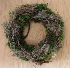 frischer Mooskranz grün mit Zweigen Echtkranz Naturkranz 60 cm Rarität Kranz