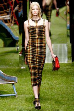 Versus Versace Spring 2011 Ready-to-Wear Fashion Show - Ilvie Wittek