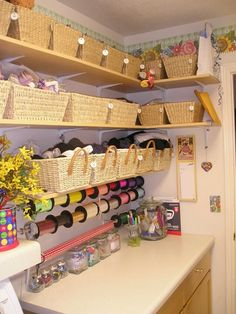 Cuarto de manualidades  so awesome and nice baskets