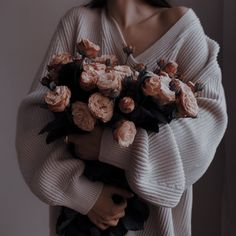 Love Is Scary, Love Sick, Beige Aesthetic, Aesthetic Images, Jenny Han, Plant Therapy, Bride Book, Belle Photo, Flowers