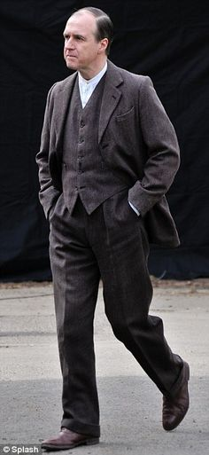 Season 4 Downton Abbey Filming  in the Oxfordshire Village of Bampton ... Mr Molesley played by Bernard Gallagher.   ..rh