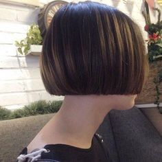 64 Wavy Bob Hairstyles That Look Gorgeous And Stunning - Hairstyles Trends Wavy Bob Hairstyles, Short Bob Haircuts, Easy Hairstyles, Hair Inspo, Hair Inspiration, Short Hair Cuts, Short Hair Styles, Chin Length Bob, Pixie Haircut