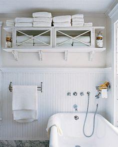 Storage ideas for a small bathroom