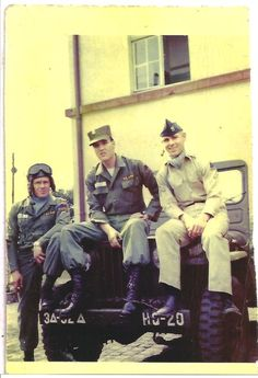 Photo of Private Presley with two other soldiers in Friedberg, Germany in October/ November 1958