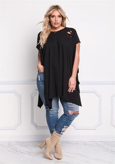 Plus Size Distressed Pointed Longlined Top