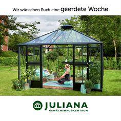 Wer noch nicht so geerdet ist, der kann ja einfach den Katalog anfordern https://gewaechshauscentrum.de/prospekt-anfordern