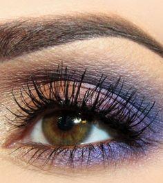 20 idées de maquillages pour sublimer les yeux marrons : camaïeu de violet