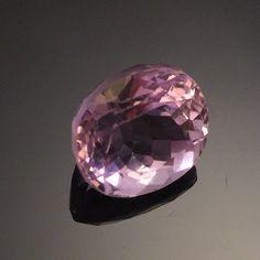 Oval cut Madagascar Kunzite Gemstone (4.2 ct) | Buy Gems Online, Affordable Gemstones, Loose Gemstones, Jewelry