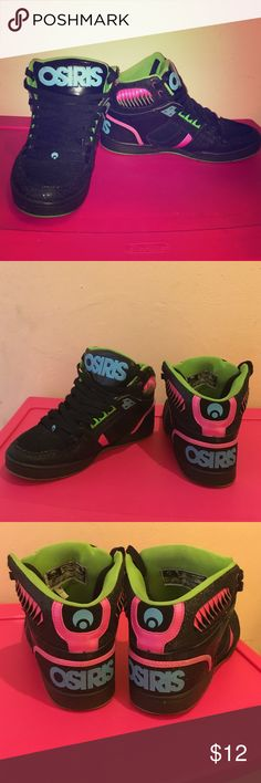 OSIRIS Skate Shoes High Top Black/Pink/Lime OSIRIS Skate Shoes High Top Black/Pink/Lime, perfect for going to the skate park or hanging with your friends. They are used, but still in good condition! Size 10 in women Osiris Shoes Sneakers