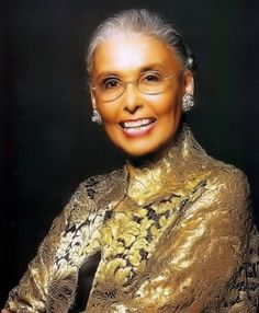 The ravishing Lena Horne. We should all age so gracefully.