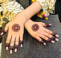 Simple Mehndi Designs Fingers, Henna Tattoo Designs Simple, Finger Henna Designs, Stylish Mehndi Designs, Mehndi Designs For Beginners, Mehndi Design Photos, Henna Designs Easy, Dulhan Mehndi Designs, Mehndi Art Designs