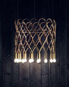 Schwedischer Design-Leuchter aus Messing mit 16 Brennstellen