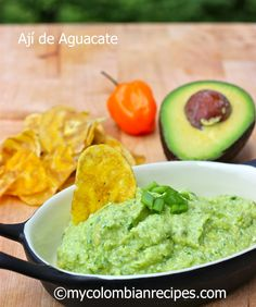 Ají de Aguacate (Colombian Hot Avocado Sauce) - use peruvian aji instead of habenero Colombian Dishes, My Colombian Recipes, Colombian Cuisine, Cuban Recipes, Latin American Food, Latin Food, Healthy Recipes, Cooking Recipes, Columbian Recipes
