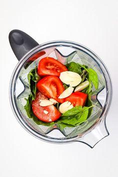 Vegan oil free pesto in blender Vegan Recipes Easy, Veggie Recipes, Whole Food Recipes, Veggie Meals, Vegan Pesto Pasta, Low Fat Dinner Recipes, Plant Based Whole Foods, Pesto Recipe, Vegan Dinners