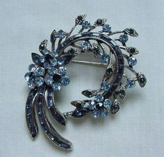 Lovely Vintage Topaz & Sapphire Blue Rhinestone Silver Tone Pin Floral Flower #Unbranded