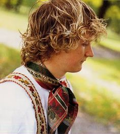 Hello all, Today I will try to cover all of Norway. Norway has many beautiful costumes, and the folk costume culture is alive and we. Norwegian Clothing, Beautiful Costumes, Folk Costume, Family History, Alter, Norway, Folk Art, Culture, Embroidery